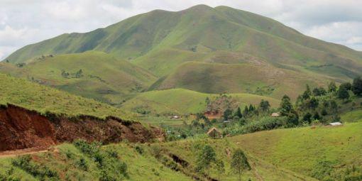 Les-collines-verdoyantes-Sud-Kivu-en-RDCONGO